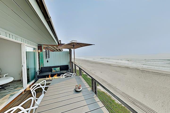 Mer De Calladonn - Ocean-View Oasis with Balcony