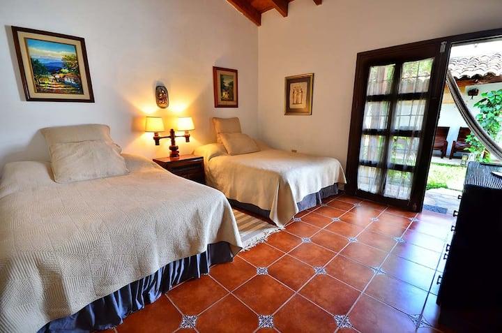 Casa Armadillo - Cozy and Private