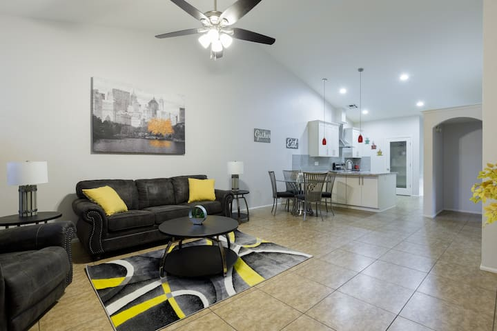 Beautifully remodeled. next to downtown Gilbert