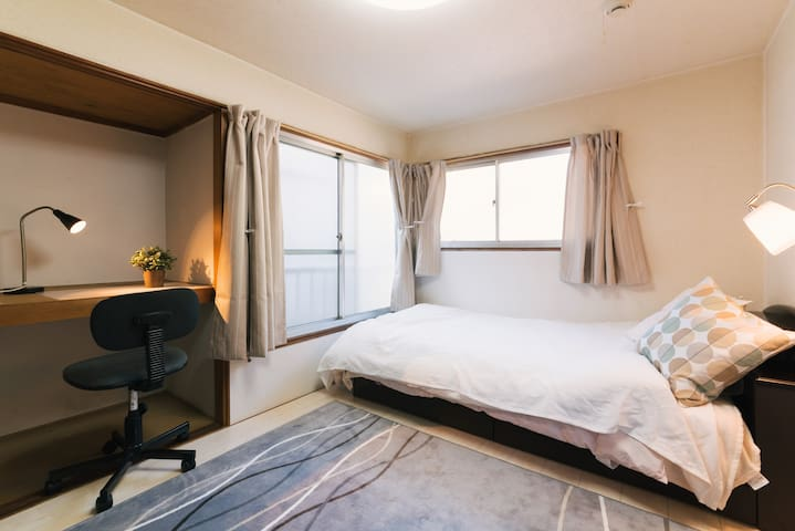Clean room of Ropponmatsu near Tenjin (Yakuin) !
