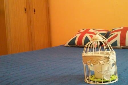 Habitación con cama doble - Oviedo
