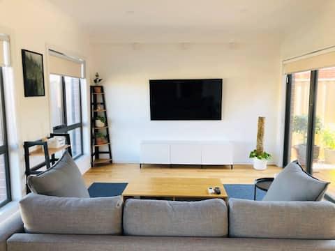 Modernes 3BR Townhouse Ideal für Familie und Paare