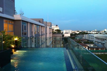Cozy studio BTS gym pool free wifi 欢迎各位 - Bangkok