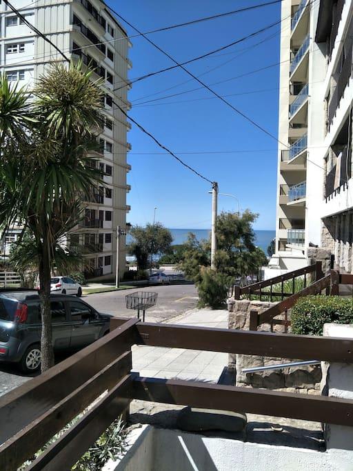 desde el dec de la casa se puede ver playa grande