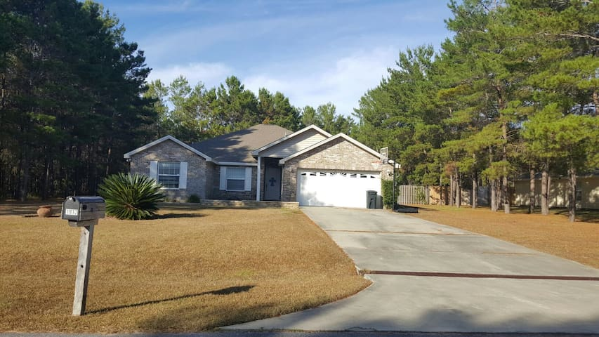 Quiet, spacious, country home! - Panama City - Hus