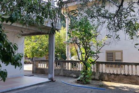 Villa in collina a nord di Paola - Scarcelli