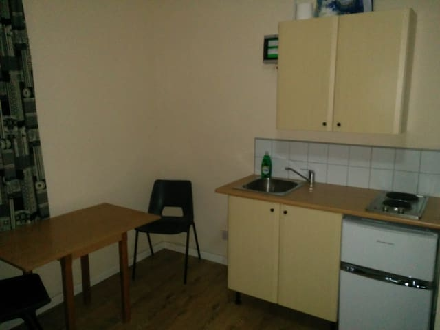 Flat 1, Sterling House