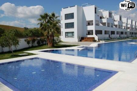 Apartment with pool, airco on the sea front - Vera