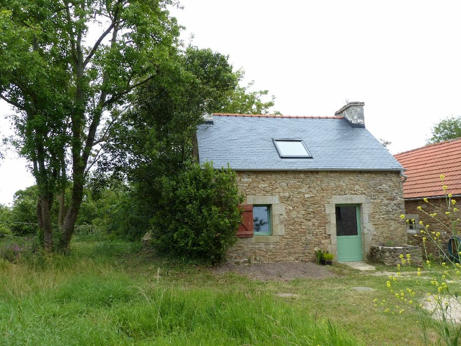Chambre d 39 h te ind pendante avec chemin e houses for for Chambre d hote brittany