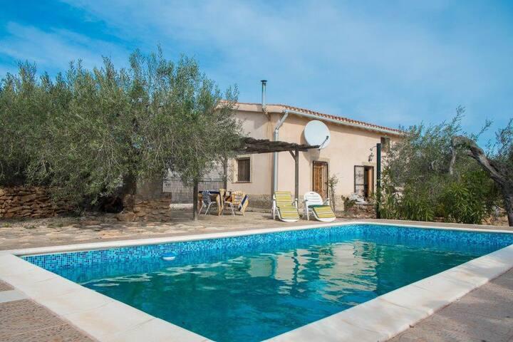 Mas de Baralluga: nice spacious villa