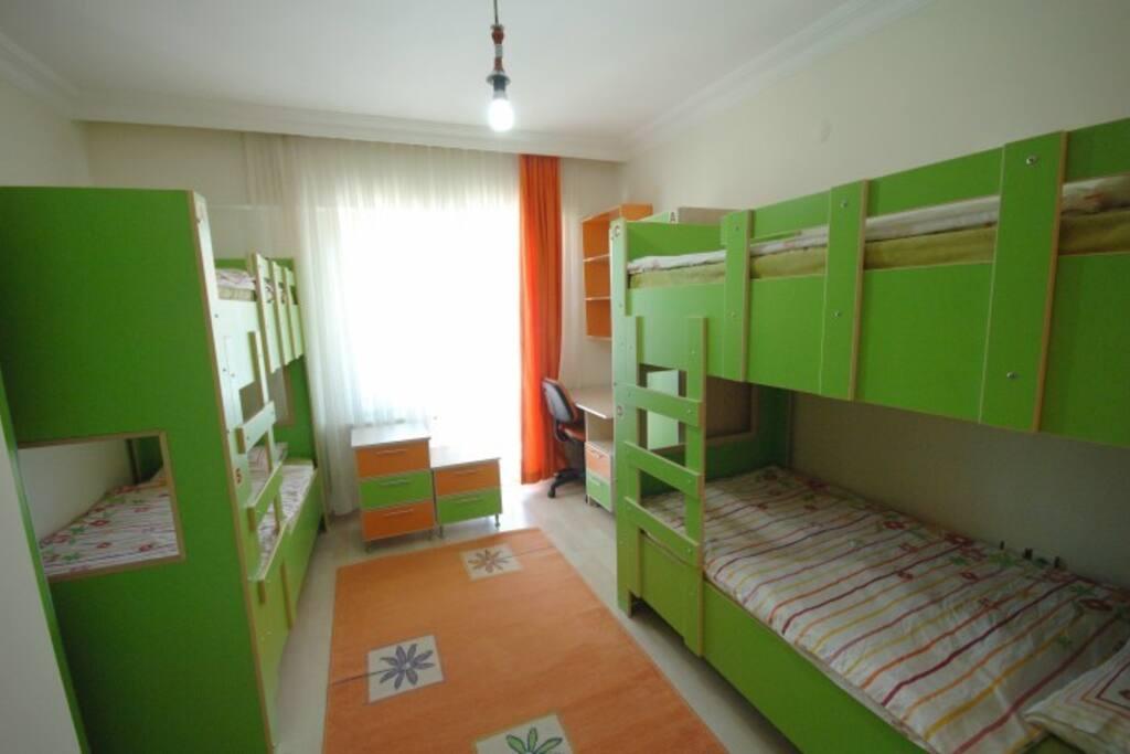 4 kişilik oda