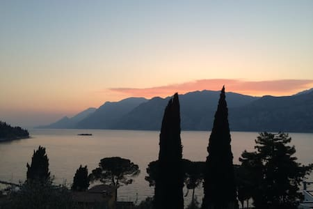 Historical villa with great view. - Malcesine - 別荘