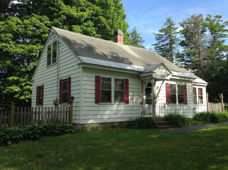 Cute Vermont Cottage Style Home Houses For Rent In