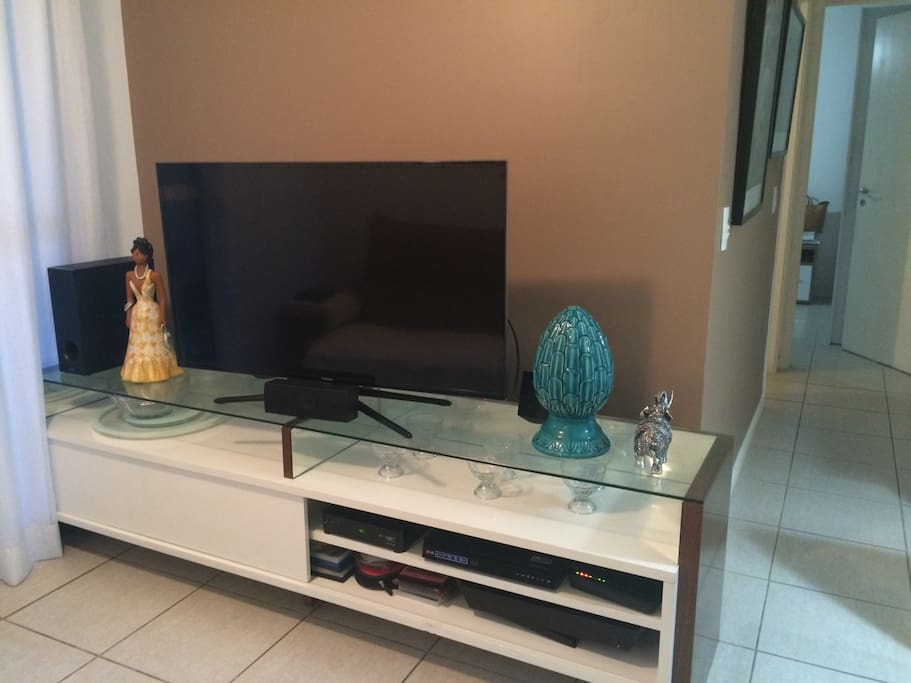 Home theater, wii fi and cable TV