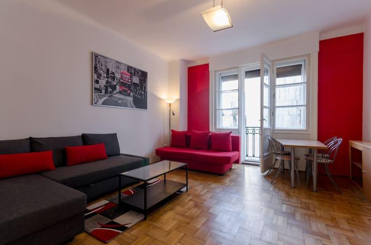 Super Cozy Studio Apartment @ the Buda Castle !