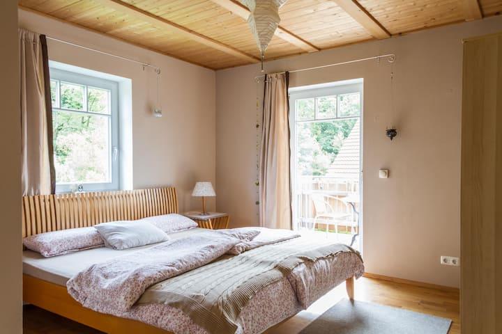 Appartement im Grünen am Bach