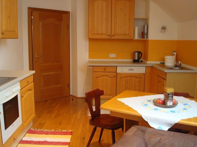 Selbstversorger-Wohnung 80m²+Garten - Schnarrndorf - Daire