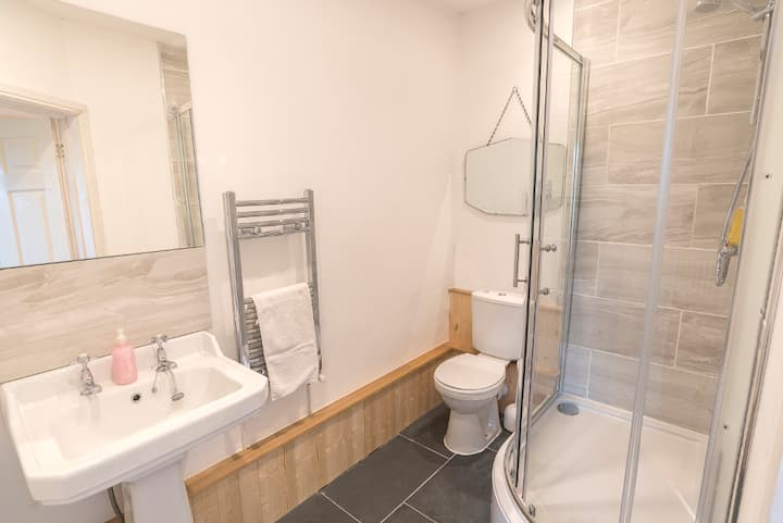 King size double and single en suite