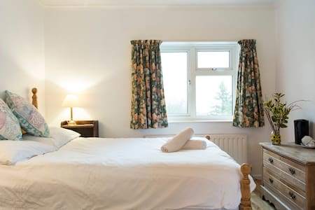 Beautiful Double Room in Family Country House - East Sussex - Other - 1
