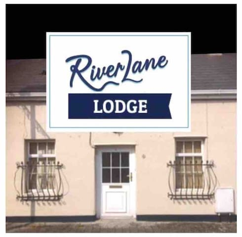 River Lane Lodge, Sandmall near King John's Castle