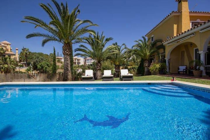 Villa with 5 Bedroom private Pool - Marbella - Villa