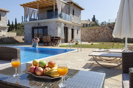 Super Offer :Family Villa with Pool & SeaViews