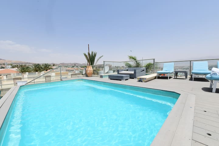 5-room app with private pool