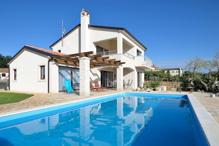 Holiday Villa with private pool - Barat \ Baratto - Huvila