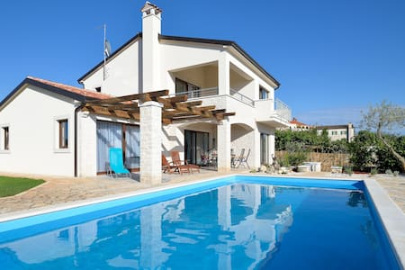 Holiday Villa with private pool - Barat \ Baratto