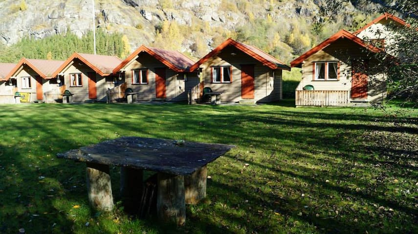 Cabin 3 - Aurland Valley - sleeps 4 - Aurland