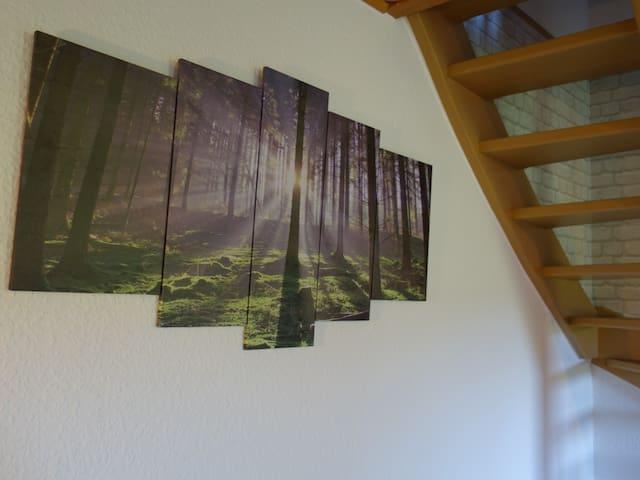 Ihr habt den Wald nicht nur VOR der Haustür, sondern auch DAHINTER  mitten im Wohnzimmer