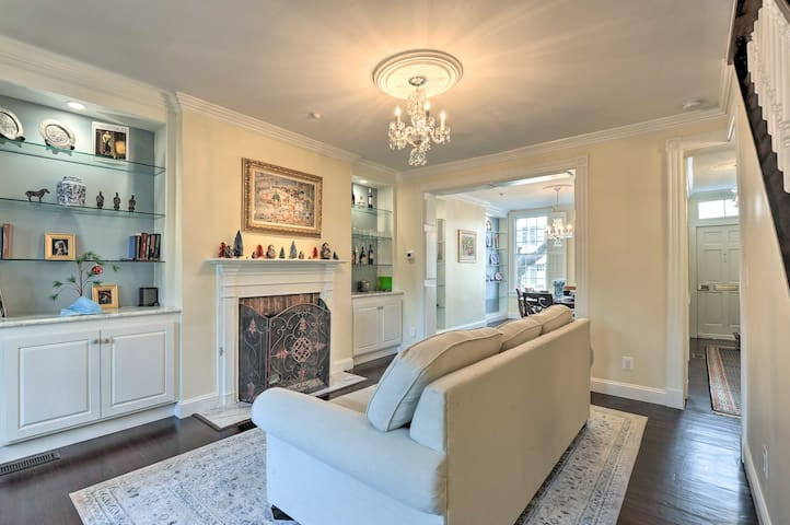 Old Town Alexandria Townhome - 2 Blocks to King St