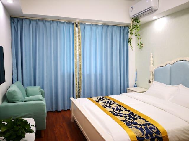 【万达广场 】精致大床房