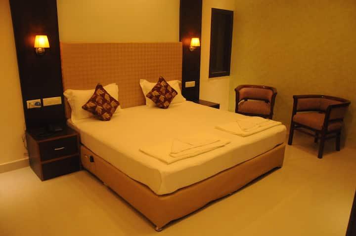 ★★Private 5 Star B&B Room in Varanasi★★