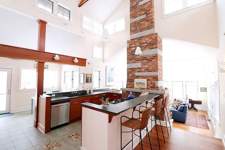 Stunning Hilltop Architectural Gem @Diagonair
