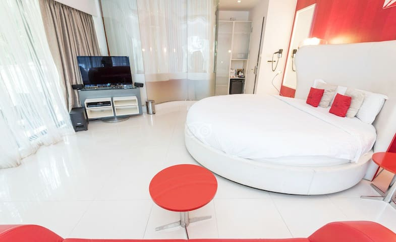 Spectacular Rooms With Pool Near Baga Beach FHR