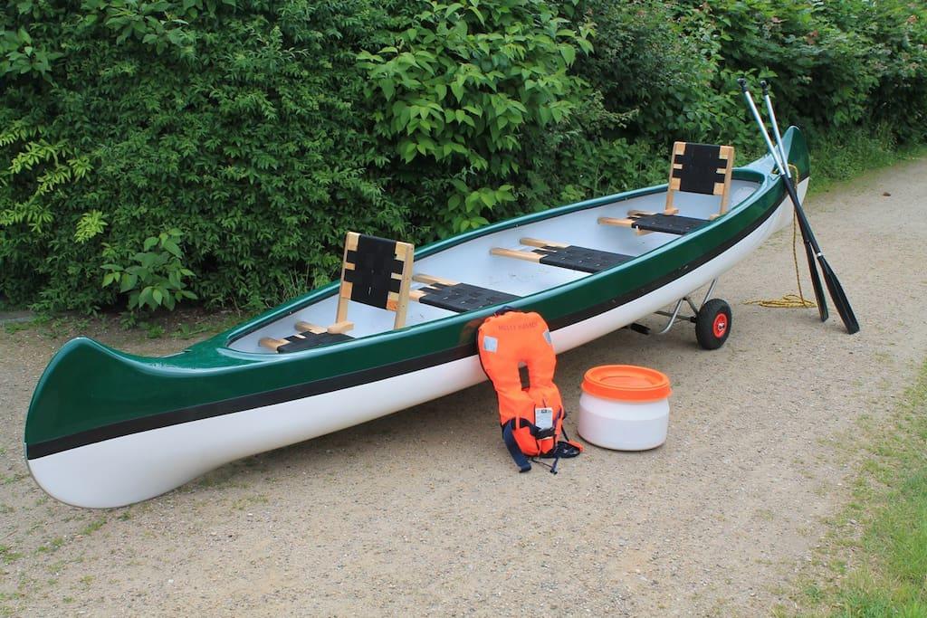 Neuer Lightspeed Canadier mit BabyRettungsweste und Bootswagen