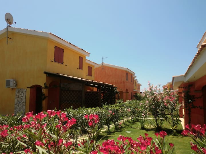 Lovely House 1 Km from Porto Pino