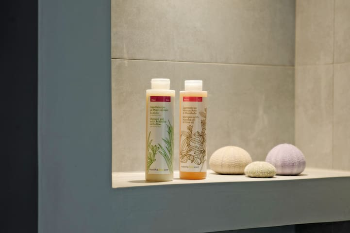 bathing products from MastihaShop with natural mastic oil
