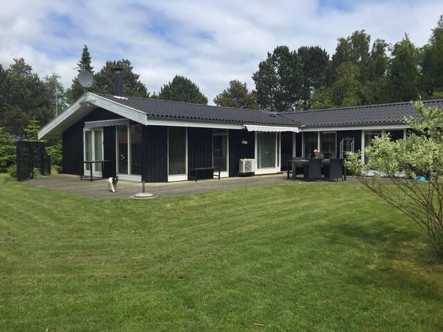 Skønt sommerhus - Væggerløse - Dům