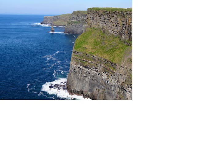 4 Bed Apt Ennis Town ½hr drive to Cliffs Moher - Ennis - Apartamento