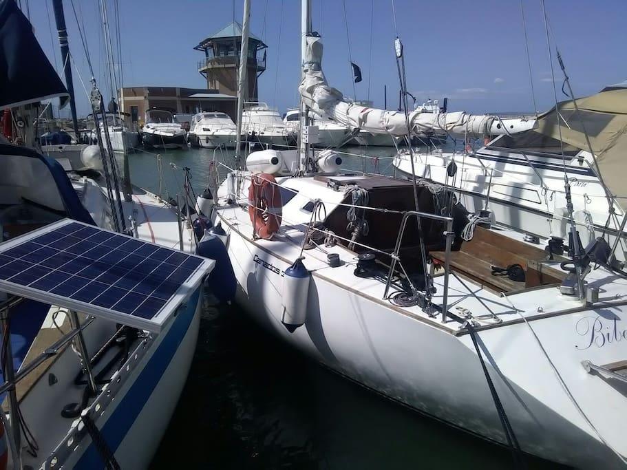 Dormire in barca a vela barche in affitto a marina di for Bagno 3 stelle marina di grosseto