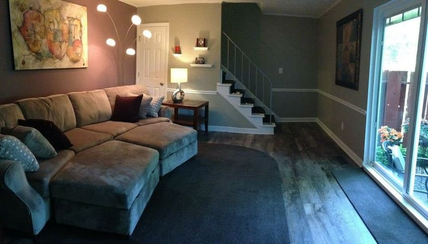 Townhouse/Condo for RNC 1144 Sq Ft - Brecksville - Appartement