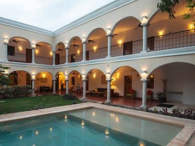 Hotel Posada San Juan ValladolidYuc - Valladolid - Bed & Breakfast