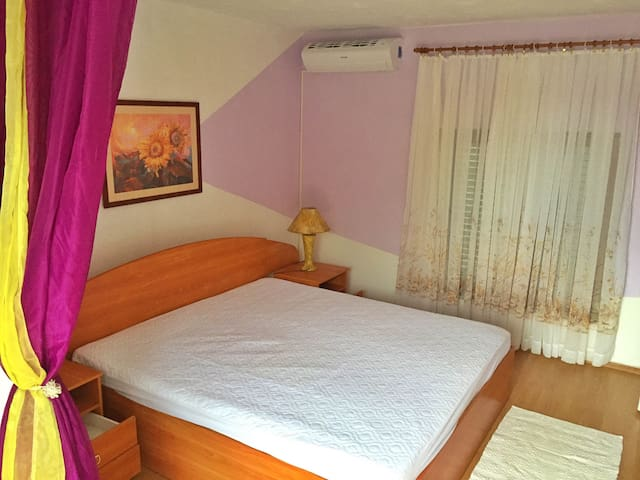 Room for 2,bathroom,terrace,50m sea - Jadranovo - Talo
