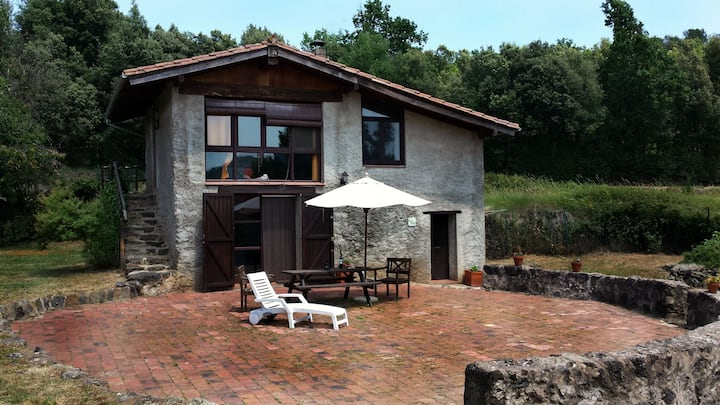 Can Janot -Rustic cottage in natural park
