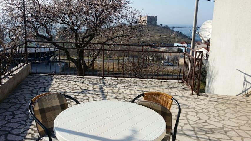 Apartment with 2 beedrooms &balcony - Senj - Apartment