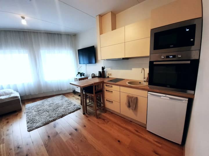 Cosy studio apartment near centre! Self check-in