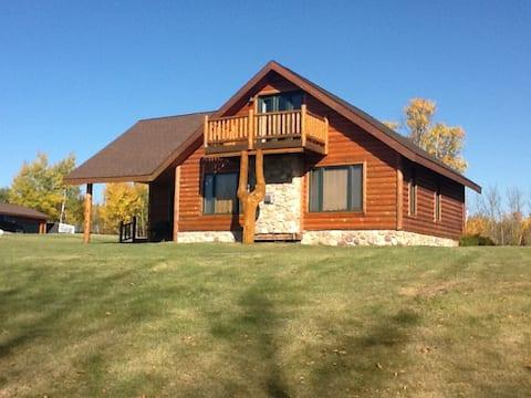 Private Lakefront Guest Cabin
