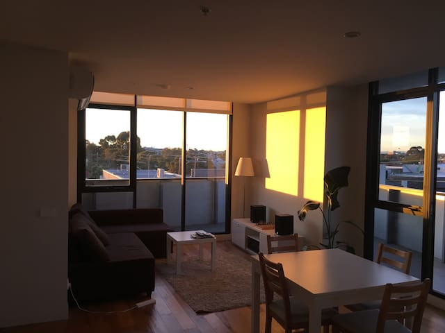 Super sunny apartment in Brunswick - Brunswick East - Apartamento